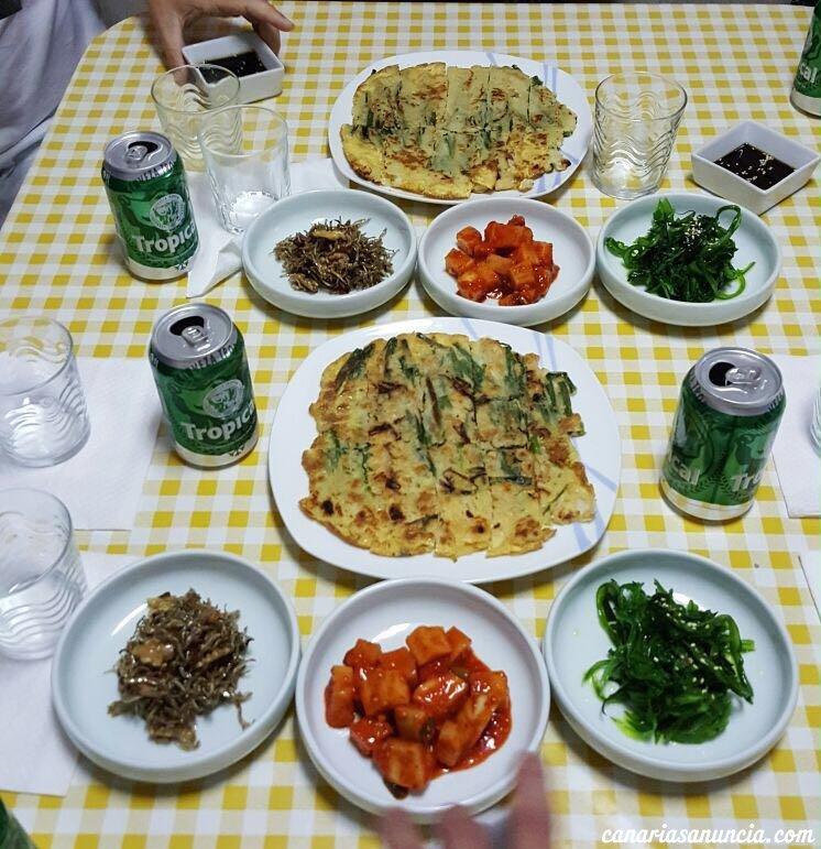 Kim's Pojangmacha - Buena mesa coreana