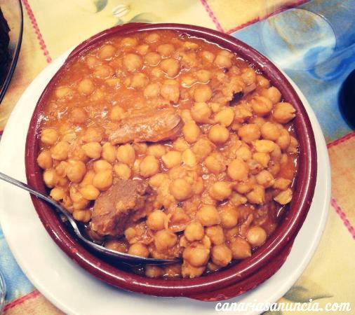 Casa Josefina - aperitivo-su-ensalada-1